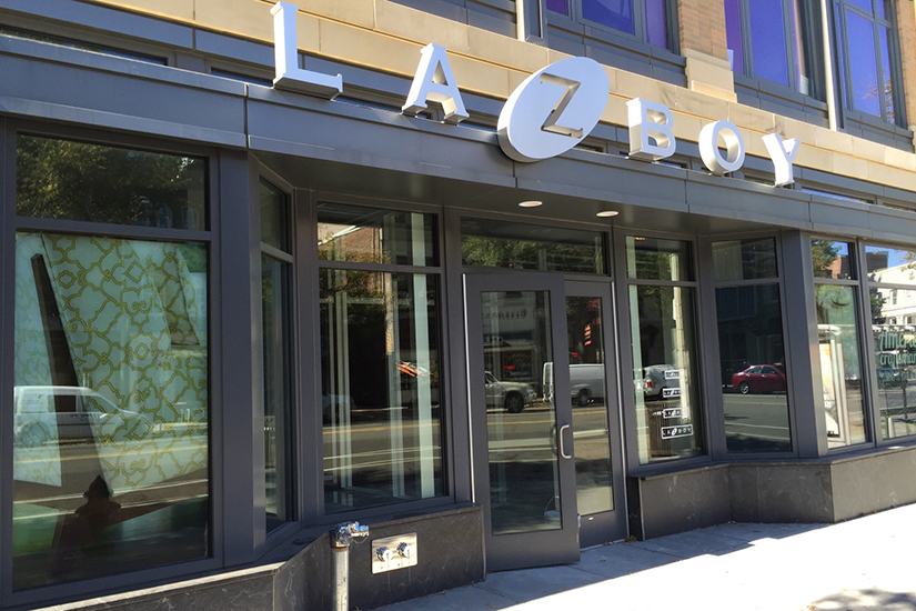 Look at all these stores opening soon in logan circle borderstan - Hoo showroom ...