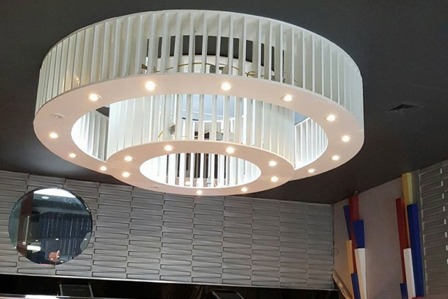2020 light fixture (Photo via Facebook/2020 Restaurant and Lounge)