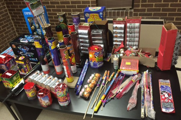 Illegal fireworks seized by the Third District police (Photo via Metropolitan Police Department)